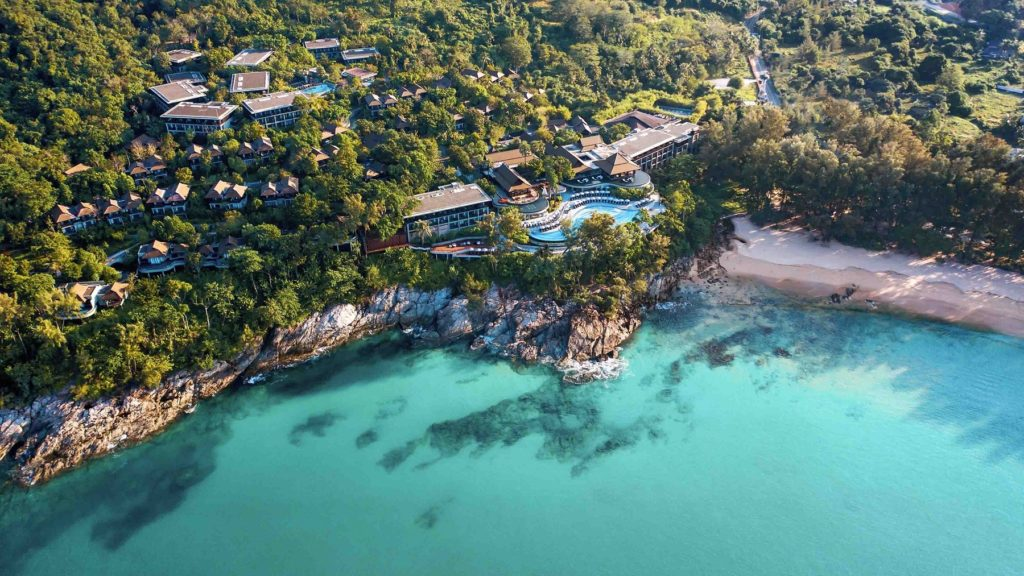 vue du ciel : luxueux complexe Pullman Phuket