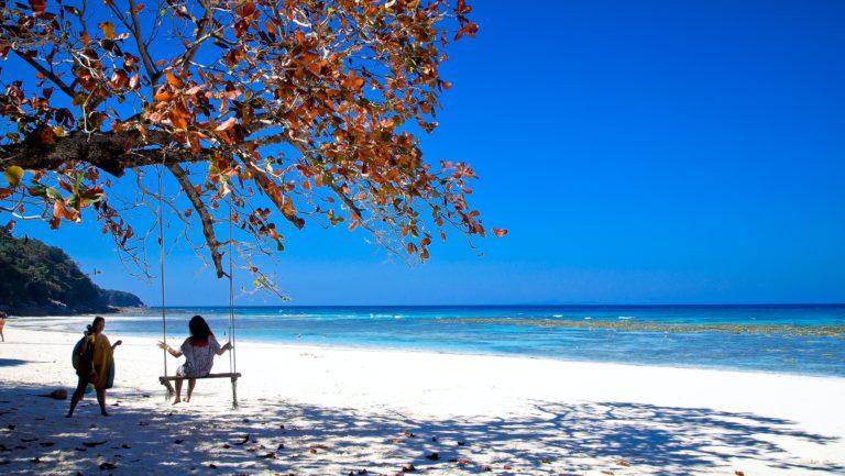 Un paradis pour les plongeurs vous attend sur l'île de Tachai !