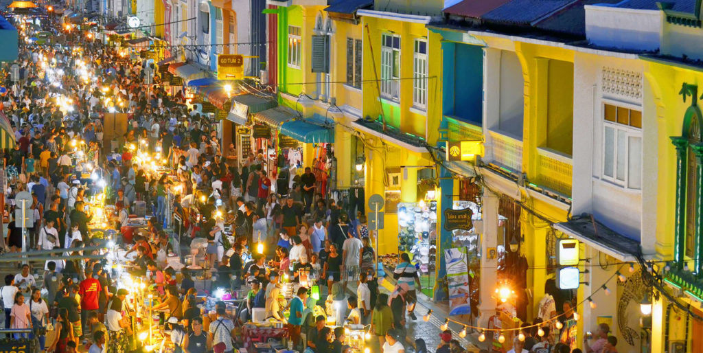Marché de nuit dans la vieille ville de phuket